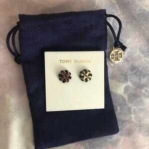 BRAND New Tory Burch earrings 🤗